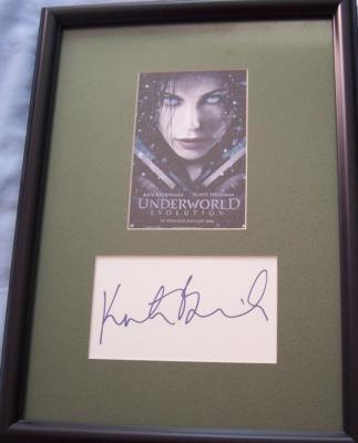 Kate Beckinsale autograph matted & framed with Underworld Evolution movie postcard