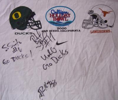 2000 Oregon Ducks autographed Holiday Bowl Nike T-shirt (Rashad Bauman Justin Peelle Steve Smith)