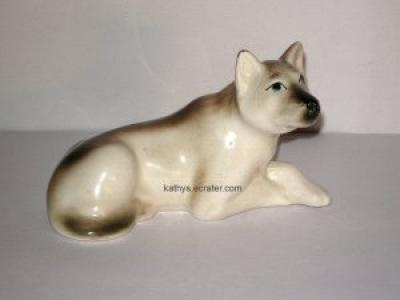 Vintage Wolf Ceramic Brown/Ivory Animal Figurine