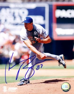 Kevin Brown autographed Los Angeles Dodgers 8x10 photo