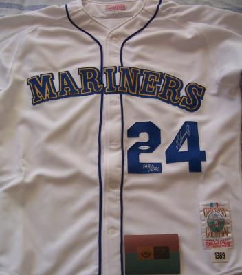 detailed look 49f0f 38fae Coollectors - Collectible Item - Autographs - Ken Griffey Jr ...