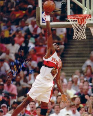 Dikembe Mutombo autographed Atlanta Hawks 8x10 photo